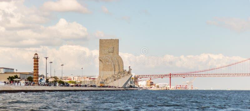 сценарный взгляд belem и реки tejo в Лиссабоне Португалии l дате 25-ое июня 2019 стоковые изображения