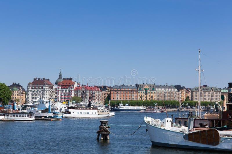 Сценарный взгляд города Стокгольма стоковые фотографии rf
