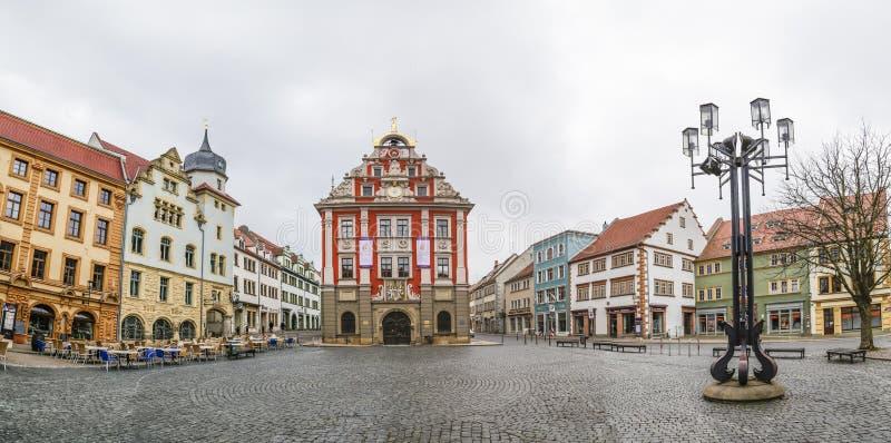 Сценарный взгляд к старой ратуше в Gotha стоковое фото rf