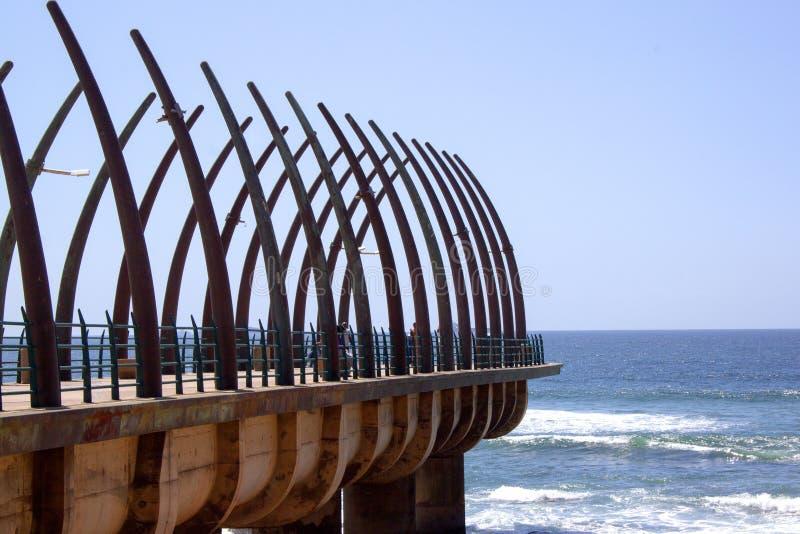 Сценарный взгляд пристани на Umhlanga трясет Дурбан Южную Африку стоковые изображения