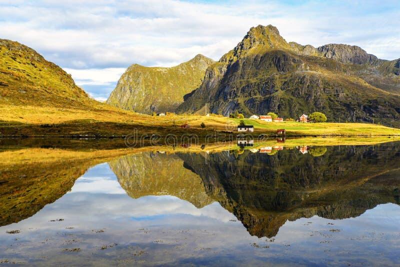 Сценарный взгляд Lofoten, Норвегии стоковые изображения