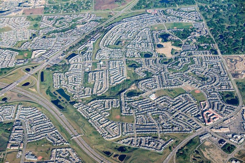 Сценарный вид с воздуха города Калгари, Канады стоковые изображения rf
