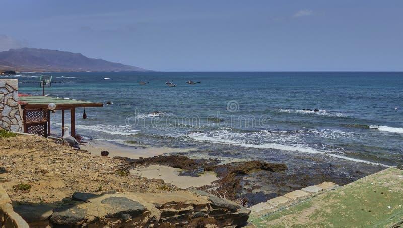 Сценарный ландшафт на острове Лансароте в Атлантическом океане стоковые изображения rf