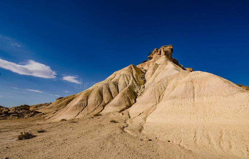 Сценарный ландшафт Bardenas Reales в зоне Наварры Испании стоковое изображение