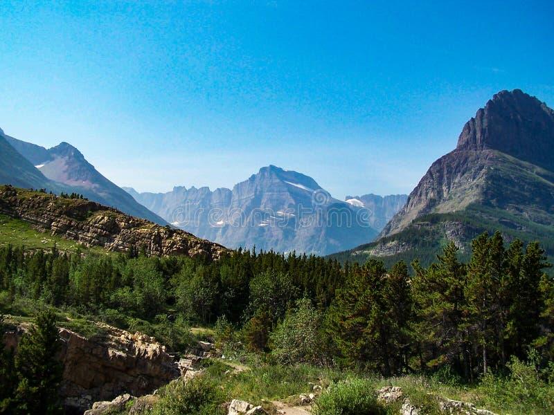 Сценарный Снег-покрытый национальный парк ледника гор стоковые изображения