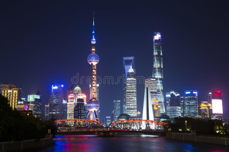 Сцена в бунде, Шанхай ночи стоковое изображение