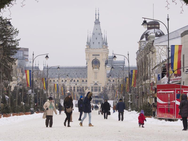 Сцена зимы с дворцом культуры в городе Iasi, Румынии стоковое изображение