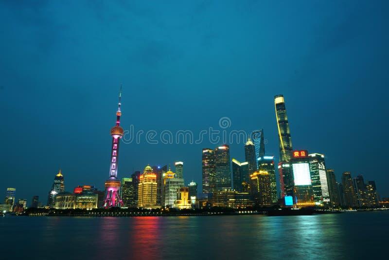 Сцена ночи Шанхая стоковые изображения rf
