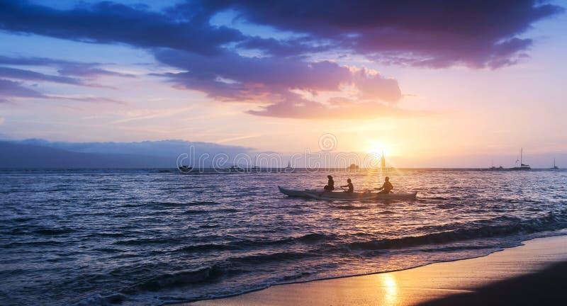 Сцена от представления на пиршестве на Lele, Мауи, Гаваи стоковая фотография rf