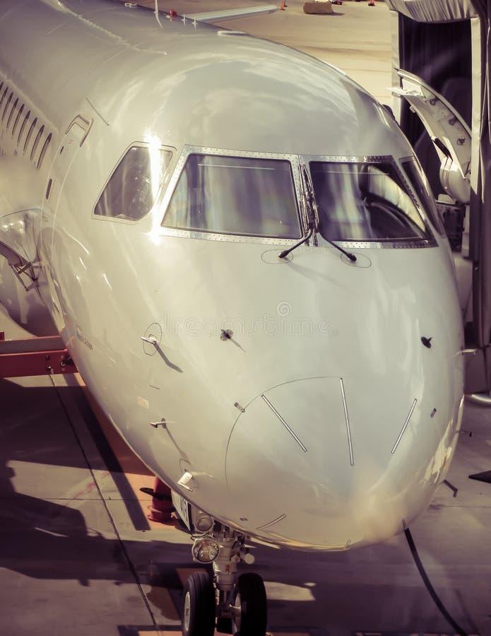 Сцена самолета и авиапорта стоковые изображения rf