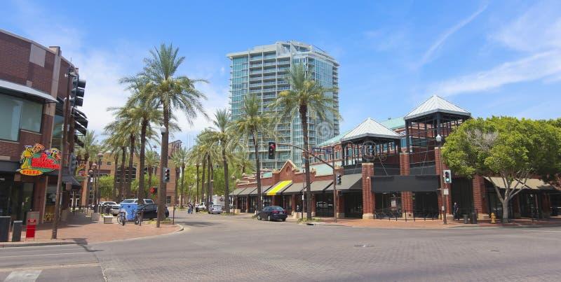 Сцена улицы бульвара мельницы, Tempe, Аризона стоковое фото