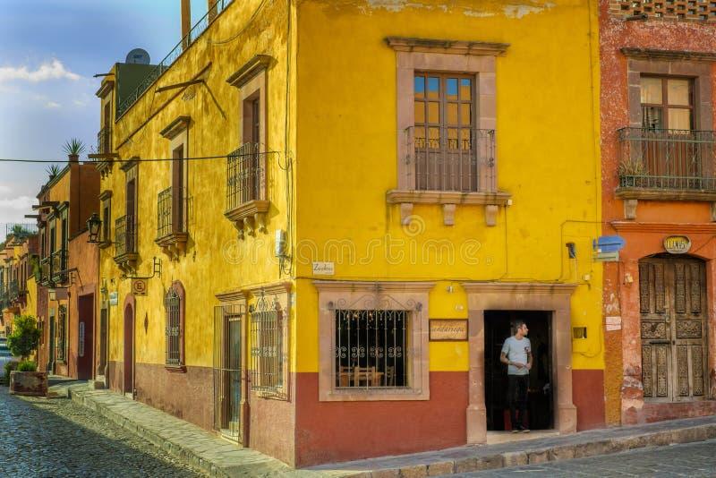 Сцена улицы, San Miguel de Альенде стоковое изображение rf