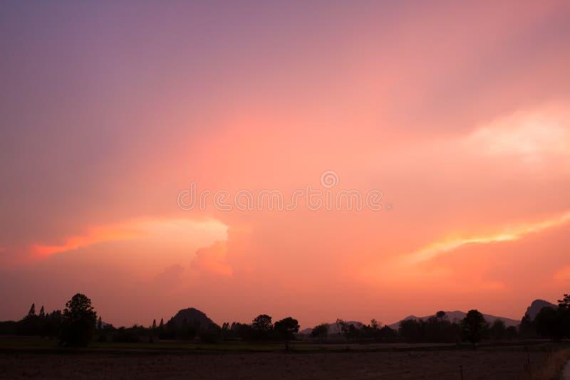 Сцена цвета времени захода солнца восхода солнца twilight тропическая стоковая фотография rf