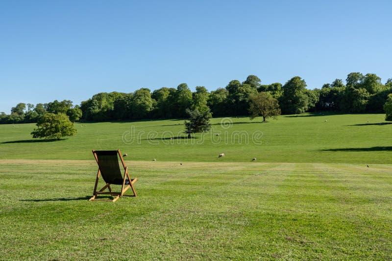 Сцена через обрабатываемую землю в Дербишире в Великобритании стоковые изображения rf