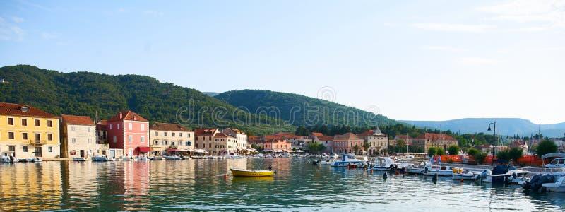 Сцены гавани от выпускника Stari, Hvar стоковая фотография