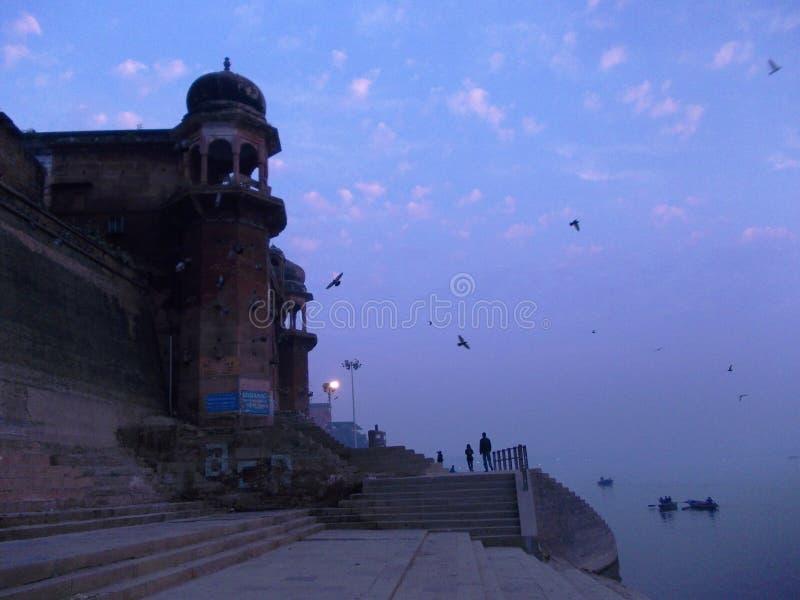 Сцены Ганга в Священном городе Варанаси в Индии стоковые фото