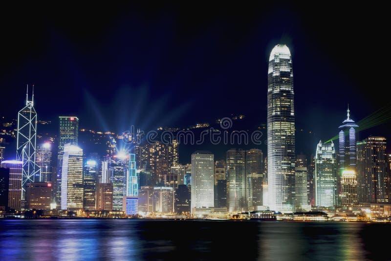 Сцены ночи Гонконга на гавани Виктории стоковое фото rf