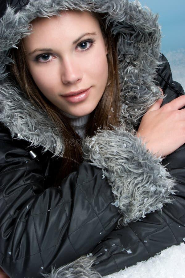 счастливая женщина зимы стоковые изображения
