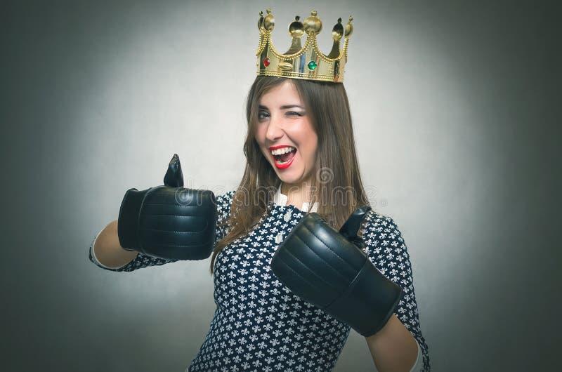 счастливая женщина Победитель девушки конкурса красоты Bossy стоковая фотография rf
