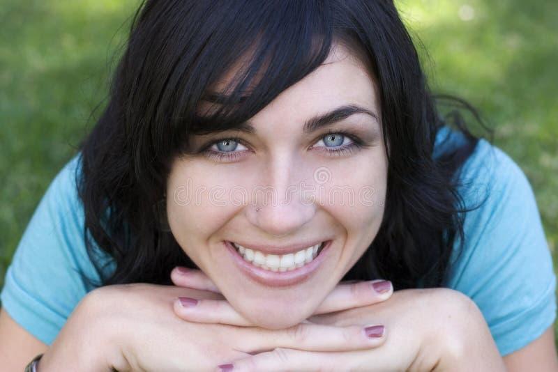 счастливая женщина стоковая фотография