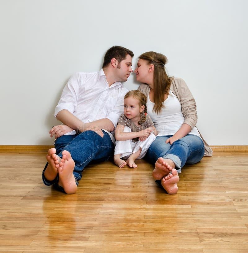 Счастливая семья стоковая фотография