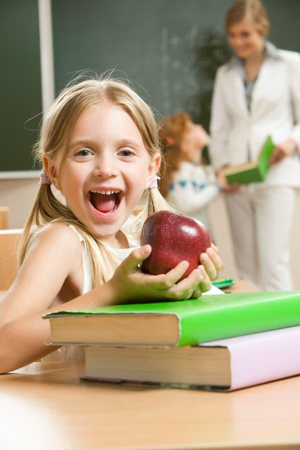 счастливая школьница стоковая фотография rf