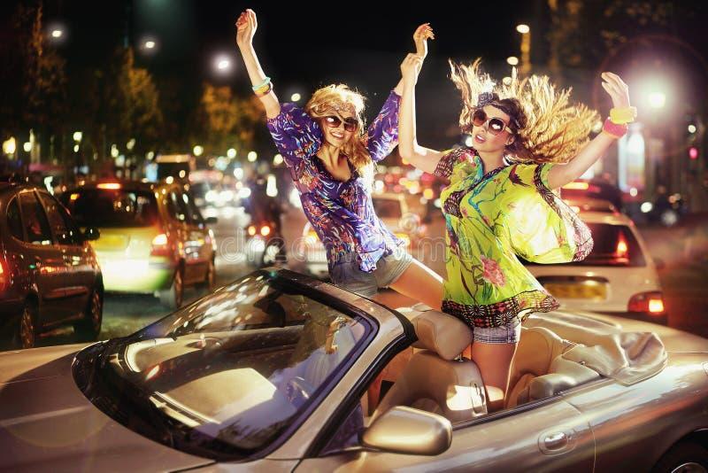 Счастливые девушки стоковые изображения rf