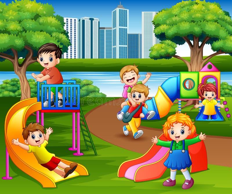 Счастливые дети играя в спортивной площадке школы иллюстрация штока