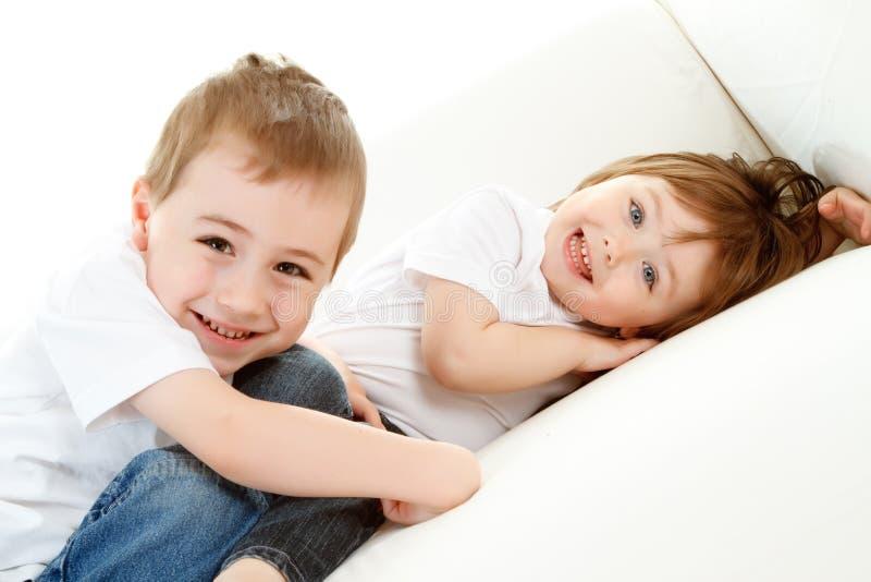 Счастливые маленькие ребеята стоковое изображение rf
