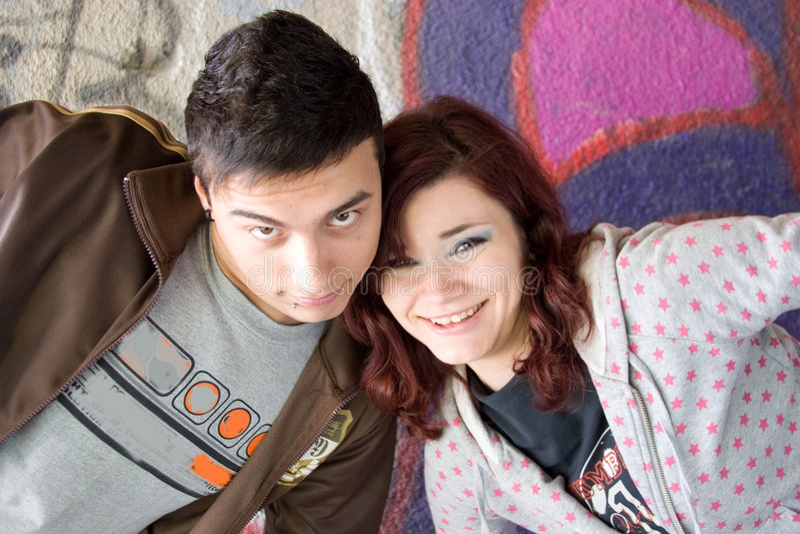 счастливые подростки стоковое изображение