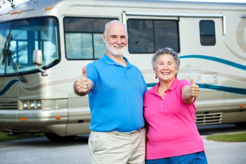 счастливые старшии rv выхода на пенсию стоковое изображение rf