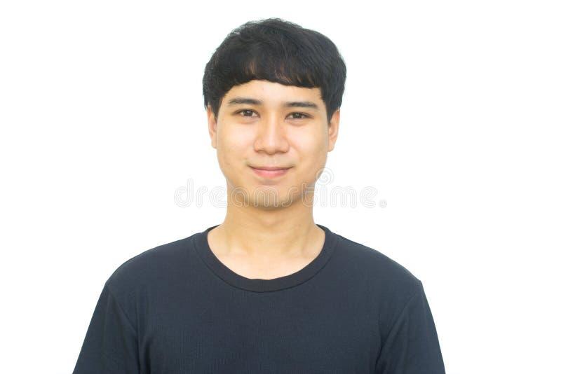Счастливый азиатский усмехаться молодого человека стоковое изображение rf