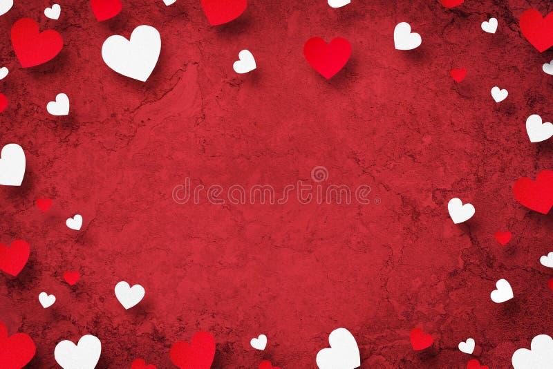 Счастливый День матери, поздравительная открытка Красные и белые сердца на красной предпосылке r бесплатная иллюстрация