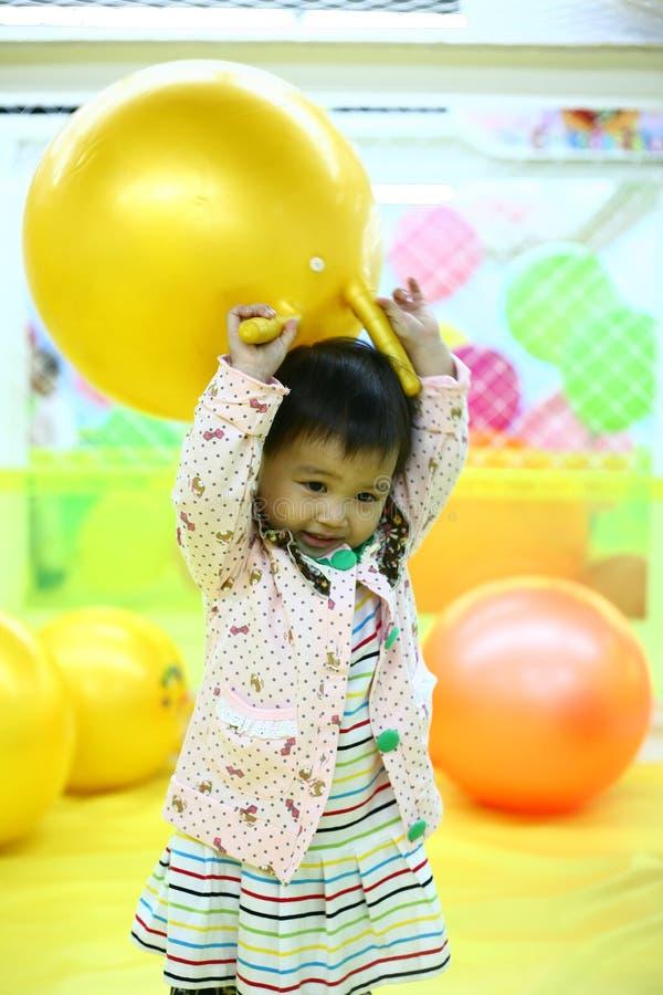 Счастливый младенец стоковые фото
