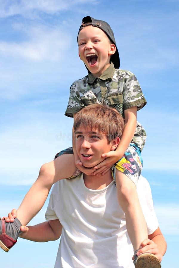 счастливый подросток малыша стоковые изображения rf