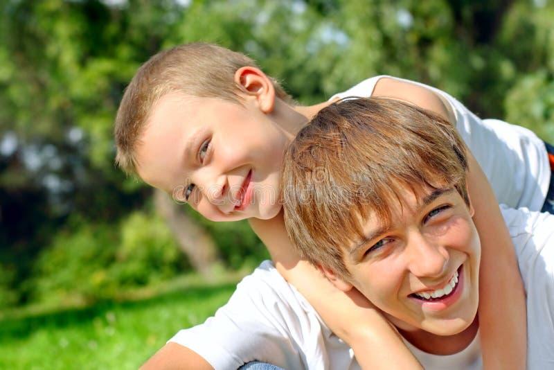счастливый подросток малыша стоковые фотографии rf