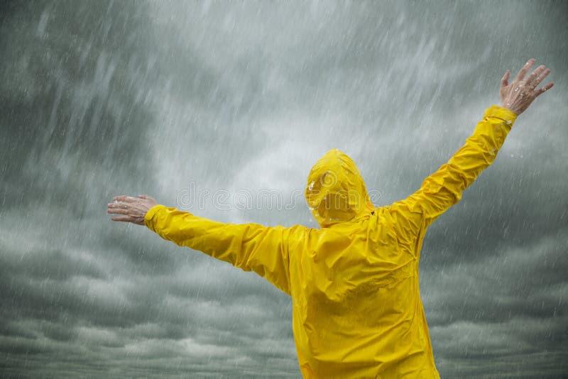 счастливый сезон дождей стоковое фото rf