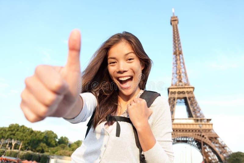 счастливый турист paris праздников стоковое фото