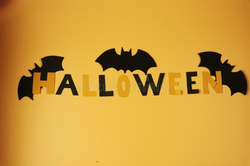 Счастливый хеллоуин празднует в законцовке от октября Могилы fom людей смерти взбираясь стоковое фото rf