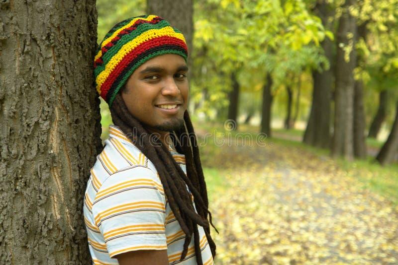 счастливый ямайский усмехаться стоковые фотографии rf
