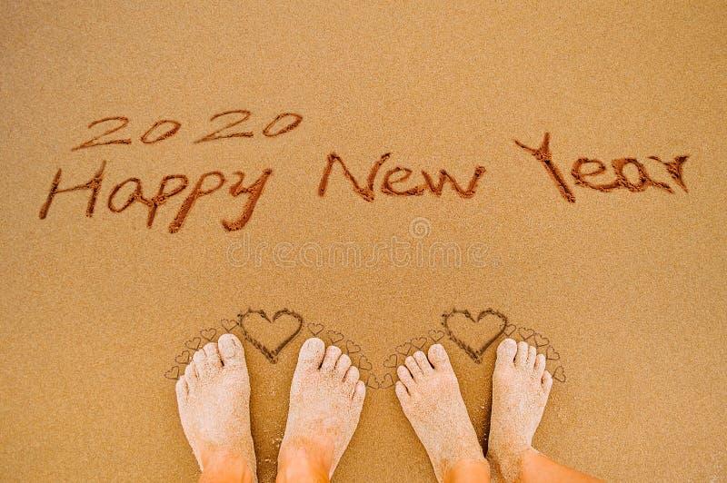 2020 счастливых Новых Годов с сердцем влюбленности стоковое изображение rf