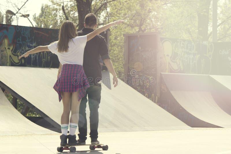 Счастье в парке конька стоковое изображение