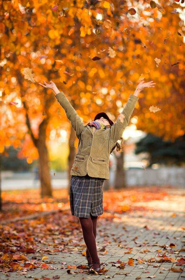 Счастливая девушка стоковое изображение rf