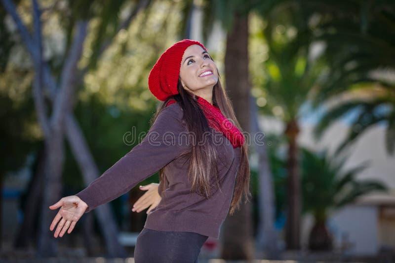 Счастливая концепция свободы женщины стоковая фотография