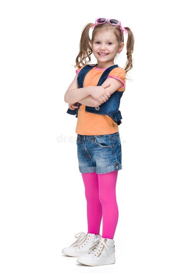 Счастливая маленькая девочка моды стоковое изображение