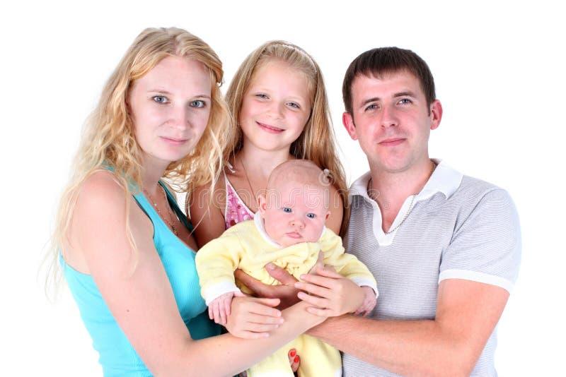 Счастливая семья с прелестными маленькими 2 сестрами 8 год и 3 месяца стоковые изображения rf