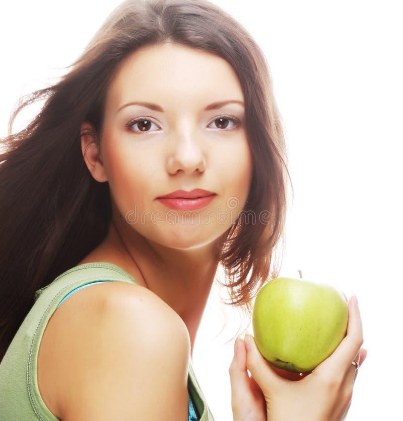 Download Счастливая усмехаясь женщина при яблоко, изолированное на белизне Стоковое Фото - изображение насчитывающей счастливо, отрезок: 37926490