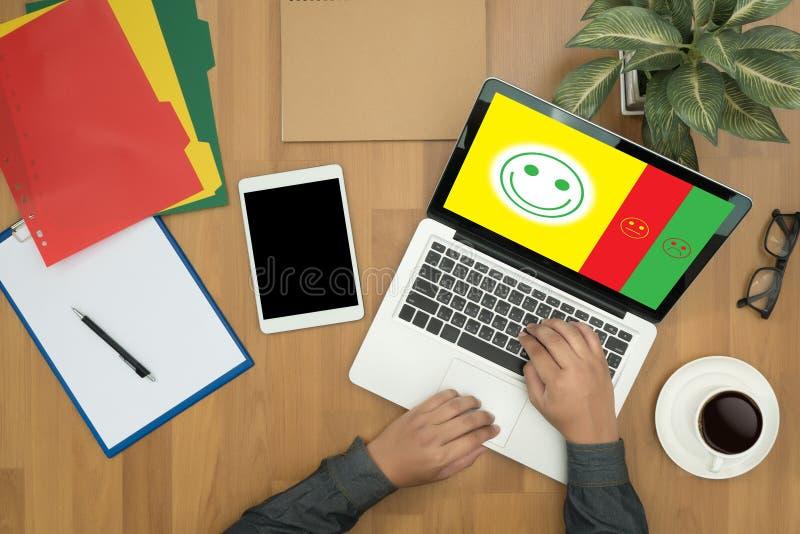 счастливое бизнесмена отборное:): l: (счастливое бизнесмена отборное дальше стоковые фото