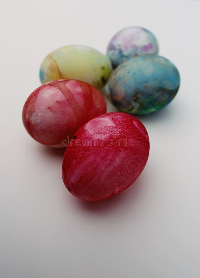 Счастливое яичко цвета пасхи стоковое изображение rf