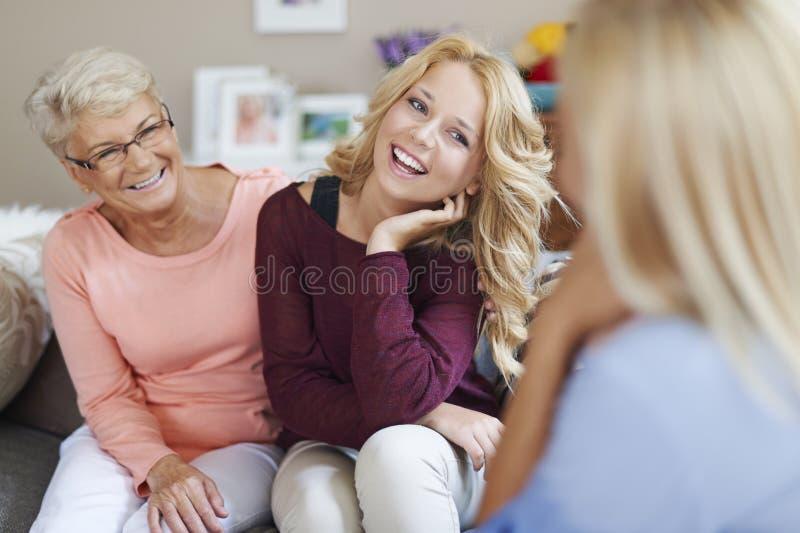 Счастливые времена с семьей стоковое изображение